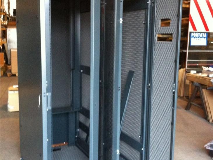 Rack a pavimento + comparto frigo ral 7016